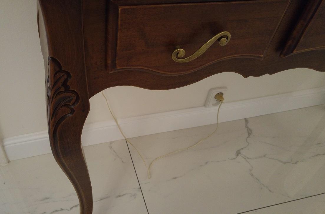 konzolový stolek_detail